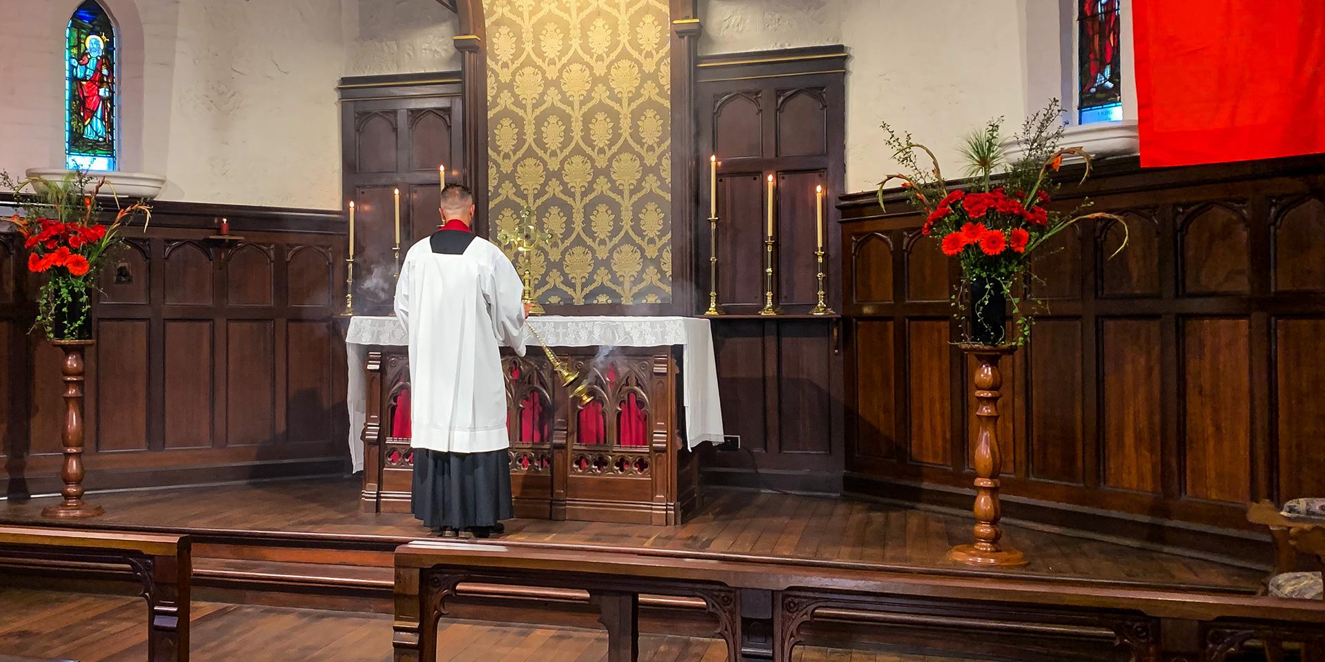 Fr Matthew censes the altar